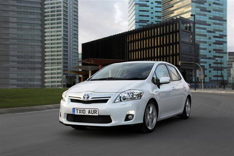 toyota auris hybrid 2010 2013 used car review car. Black Bedroom Furniture Sets. Home Design Ideas