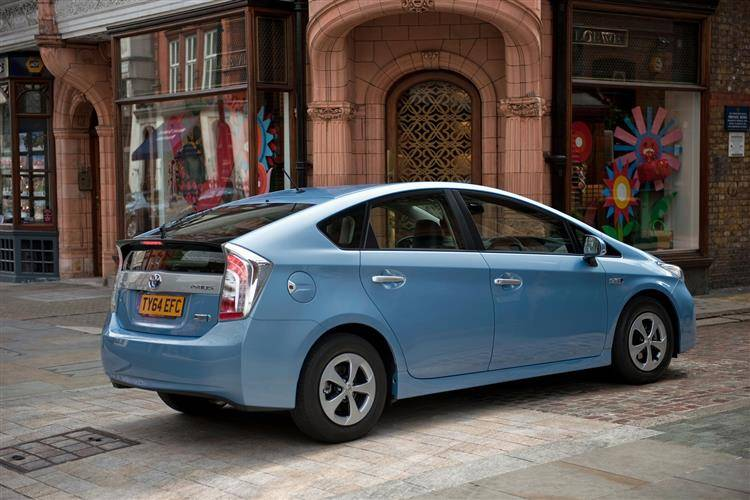 ... Toyota Prius Plug In (2012   2015) Used Car Review ...
