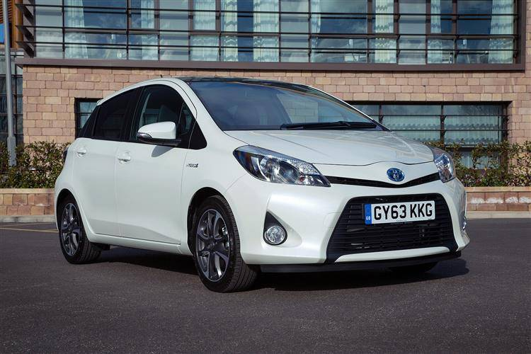 toyota yaris hybrid 2012 2014 used car review car review rac drive. Black Bedroom Furniture Sets. Home Design Ideas