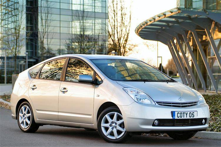 Toyota Prius (2000 - 2003) used car review