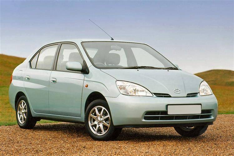 Elegant ... Toyota Prius (2000   2003) Used Car Review ...