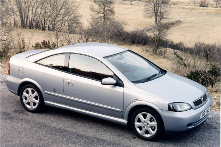 Vauxhall Astra Coupe (2000 - 2005) used car review | Car