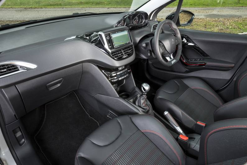 Peugeot 208 (2015 - 2019) used car review