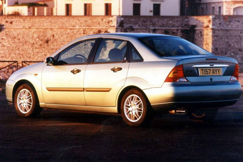 ford focus 1998 hatchback