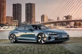 Audi e-tron GT quattro review