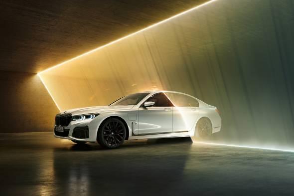 BMW 745e review