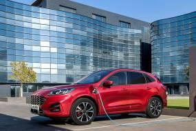 Ford Kuga PHEV review