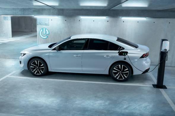 Peugeot 508 Hybrid review
