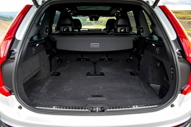 Volvo XC90 Recharge T8 Plug-in hybrid review