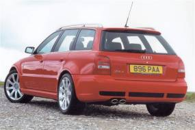 Audi RS4 (2000 - 2002) used car review