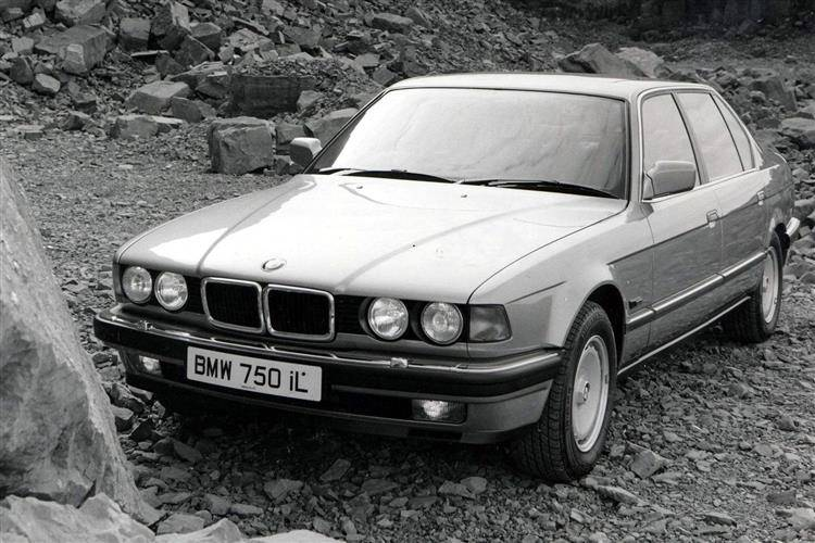 BMW 7 Series (1986 - 1994) used car review