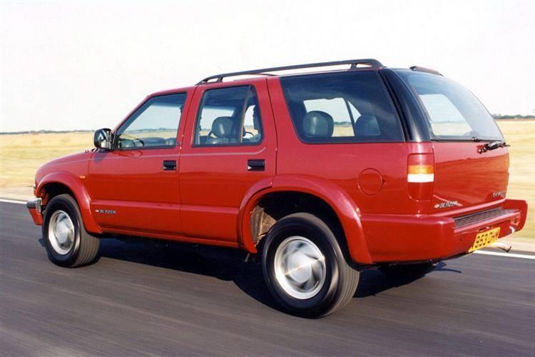 chevrolet blazer 1999 2002 used car review car review rac drive chevrolet blazer 1999 2002 used car