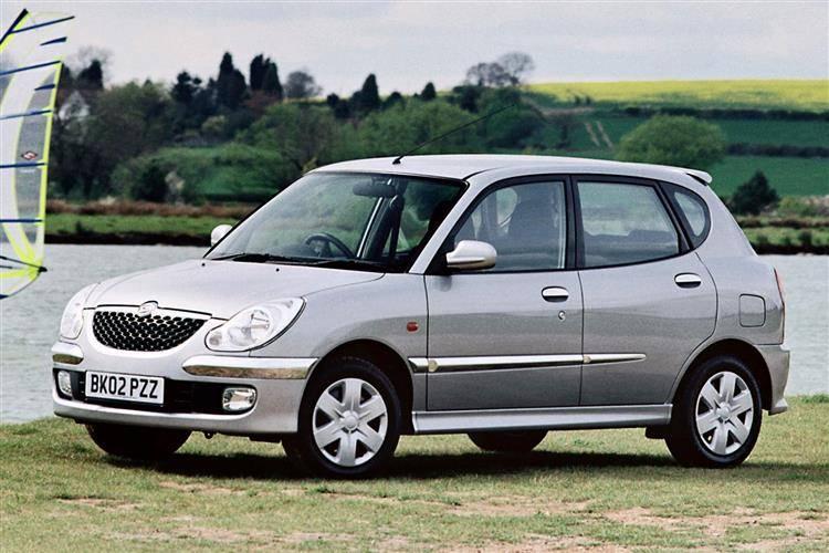 Daihatsu Sirion (1998 - 2005) used car review