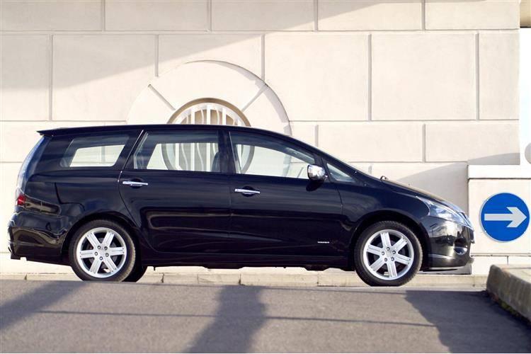 Mitsubishi Grandis (2004 - 2009) used car review