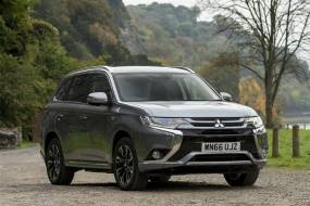 Mitsubishi Outlander PHEV (2015 - 2018) used car review