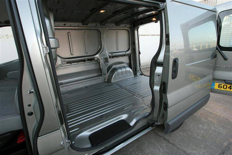 Nissan Primastar (2001 - 2014) used car review