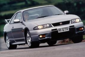 Nissan Skyline GT - R R33 (1997 - 1999) used car review
