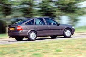 Vauxhall Vectra (2002 - 2005) used car review