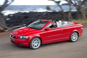 Volvo C70 (2006 - 2009) used car review