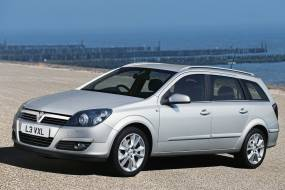 Vauxhall Astra Estate (2004 - 2009) used car review